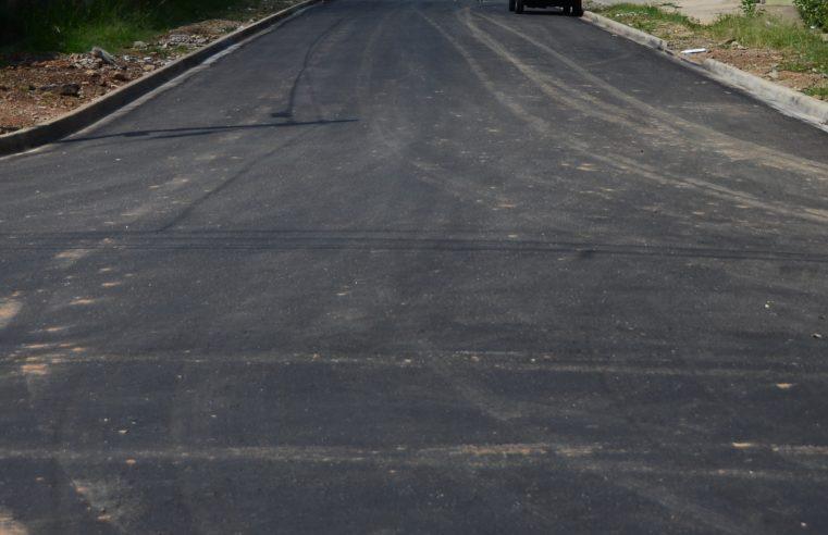 Prefeitura mantém serviço de recapeamento nas principais vias da cidade