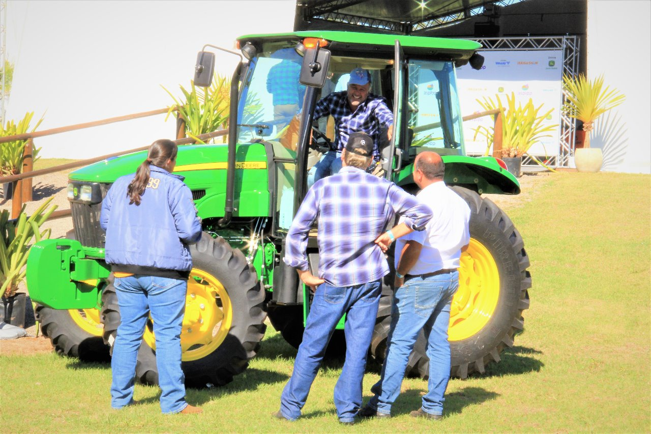 Gerente geral de negócios da Unimaq fala sobre crédito para aquisição de máquinas e equipamentos rurais