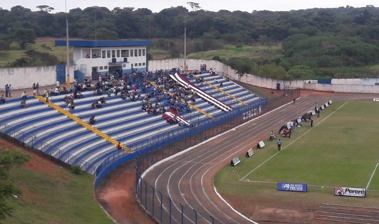Márcio Veterinário, fala da cobertura de um dos lados da arquibancada do estádio TONICÃO