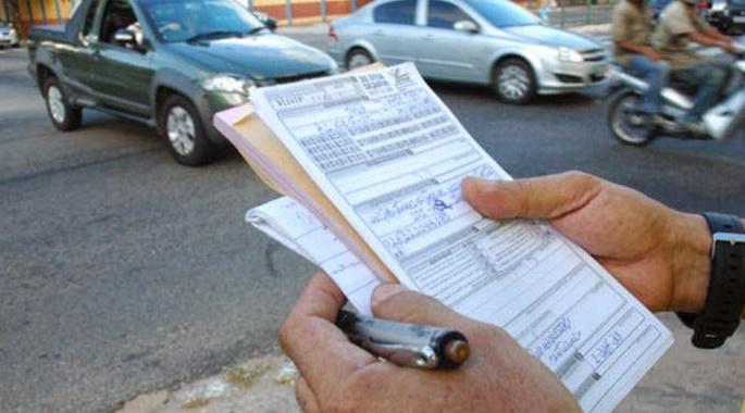 Com convênio renovado, PM vai multar motoristas que não respeitarem estacionamento rotativo