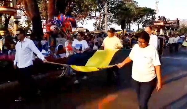 Pedrinhas Paulista encerra programação de 67 anos com desfile cívico na Avenida Brasil